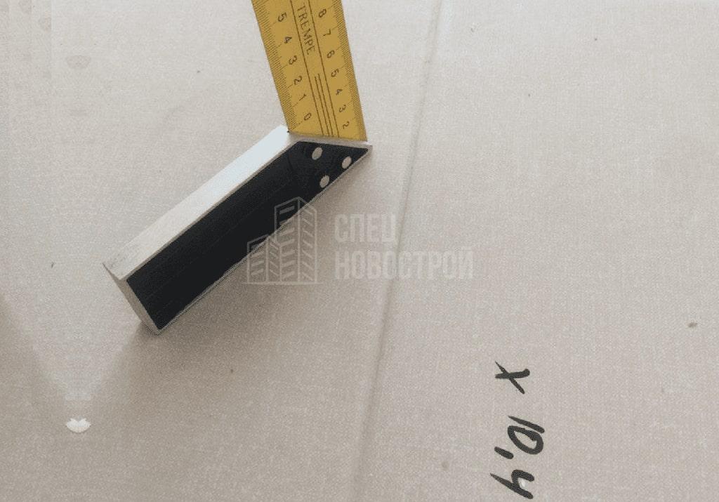 Сверхнормативный перепад горизонтального уровня пола (более 28 мм)