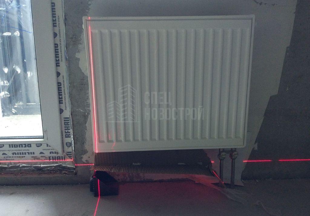 радиаторы по всей квартире имеют отклонение от вертикали