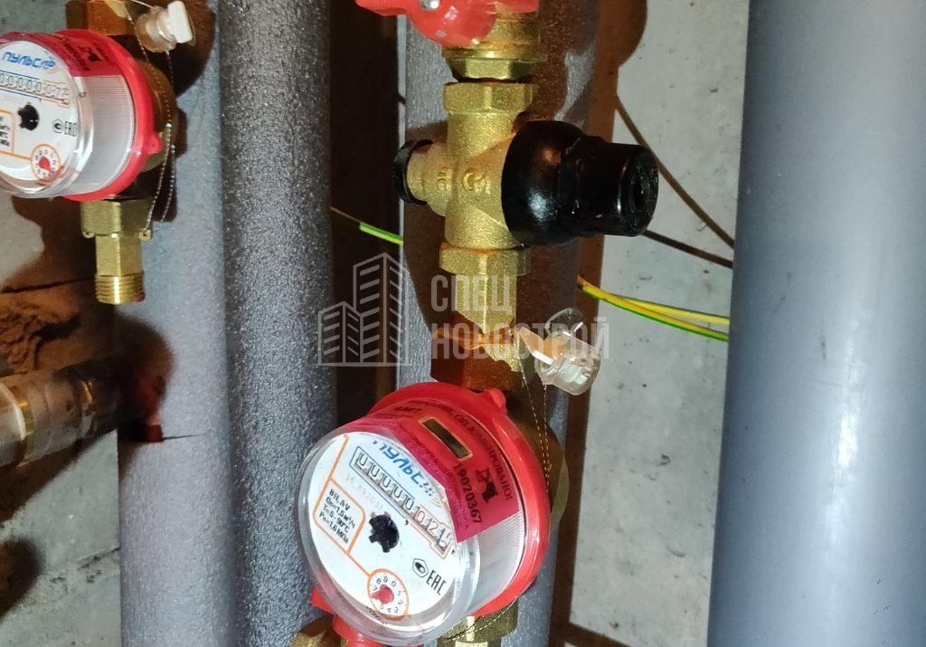отсутствуют фильтры грубой очистки воды на счётчики ГВС/ХВС