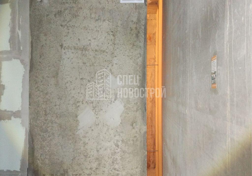 отсутствует перегородка между вентиляционной шахтой и стеновой панелью