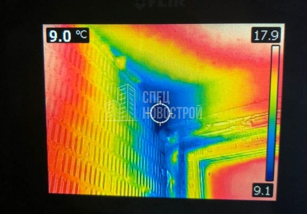 инфильтрация наружного воздуха на примыкании короба кондиционирования к монолитной стене