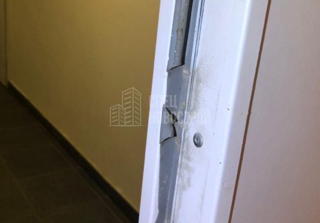 поврежден уплотнитель дверного полотна входной двери