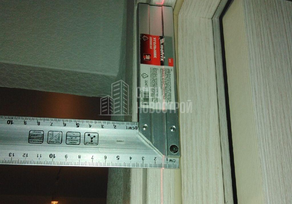 отклонение дверной коробки от вертикали 14 мм