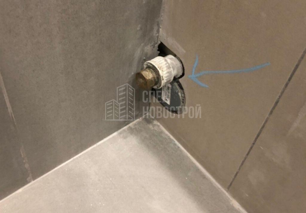отсутствие герметика на подводке водоснабжения и слива стиральной машинки