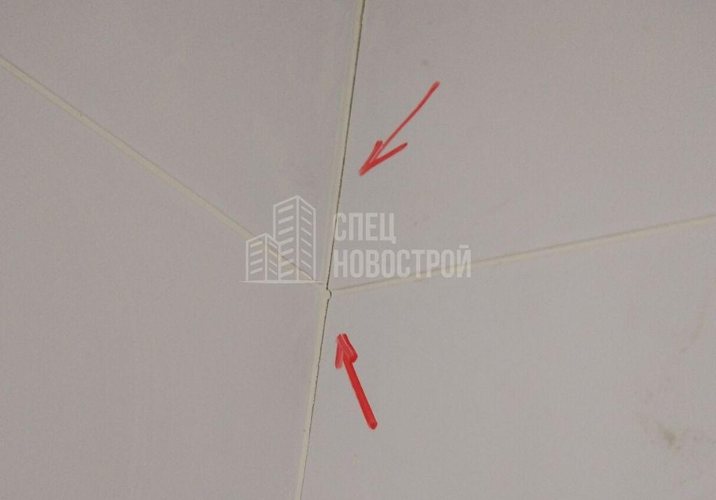 трещины затирки по углам стен