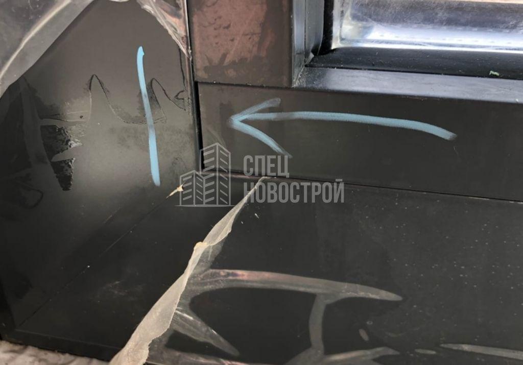 коротко подрезаны штапики стеклопакетов