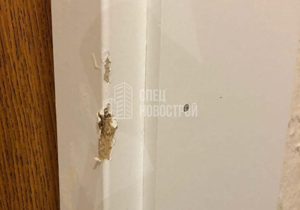 повреждения короба входной двери