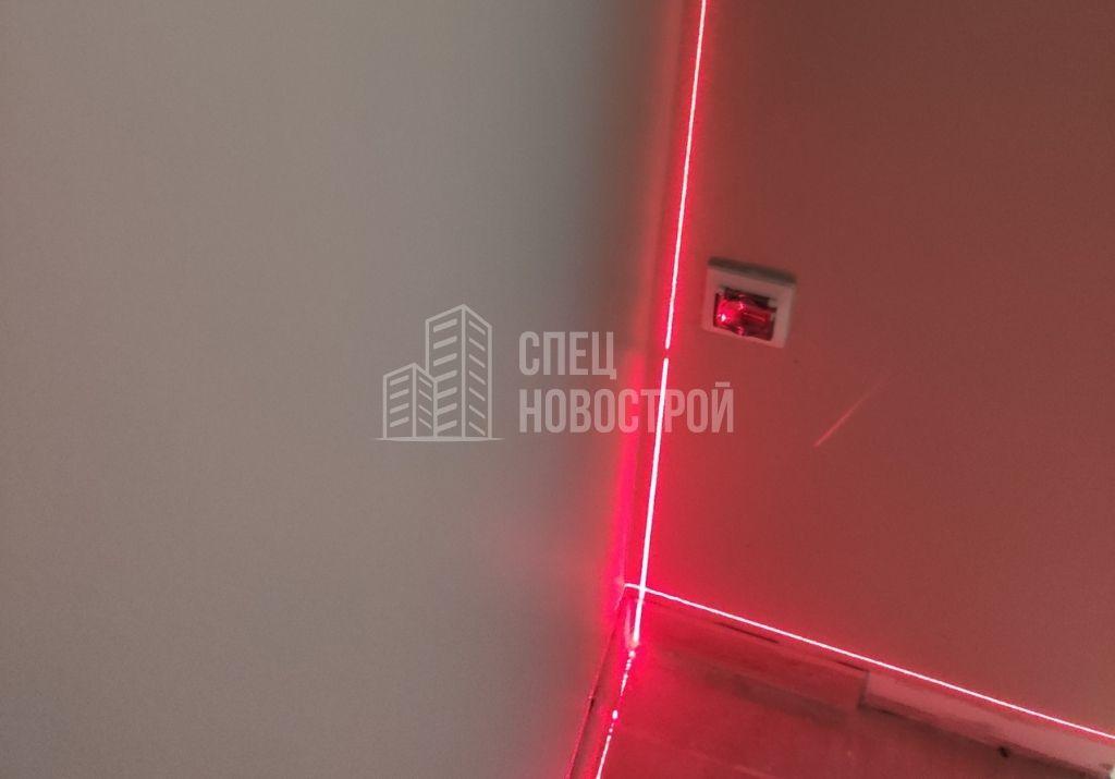 отклонение стены от вертикали на 25 мм