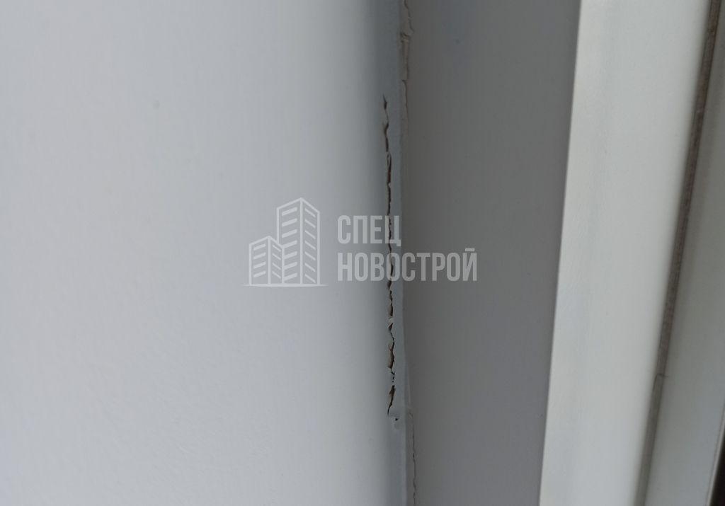 отслоение ЛКП с откоса окна