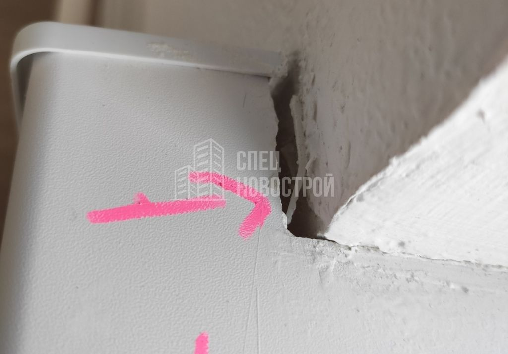 зазор на примыкании подоконника к стене