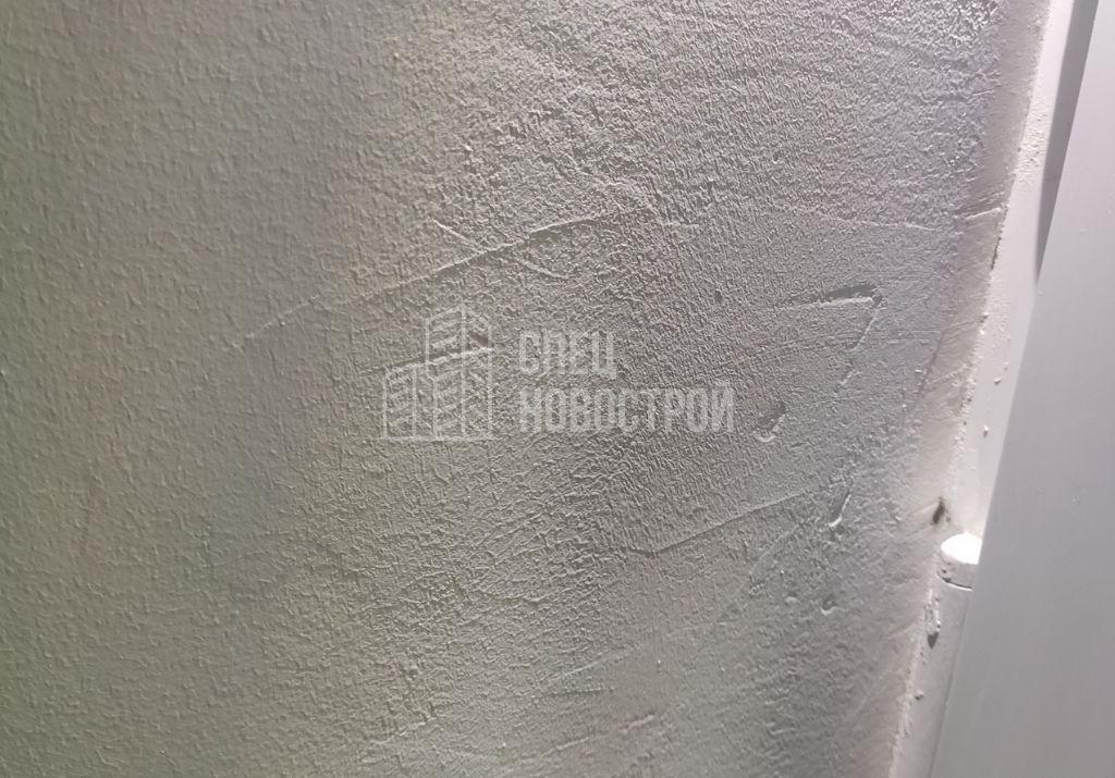 не отшлифована поверхность откосов перед покраской