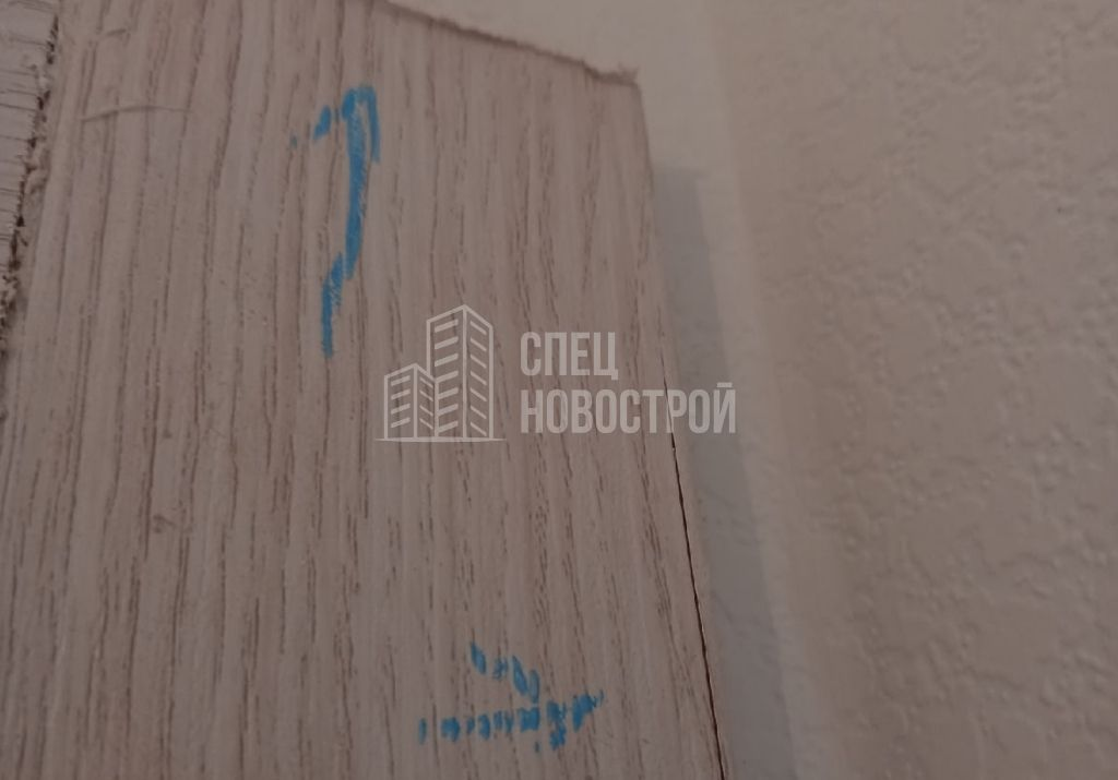трещина на наличнике межкомнатной двери