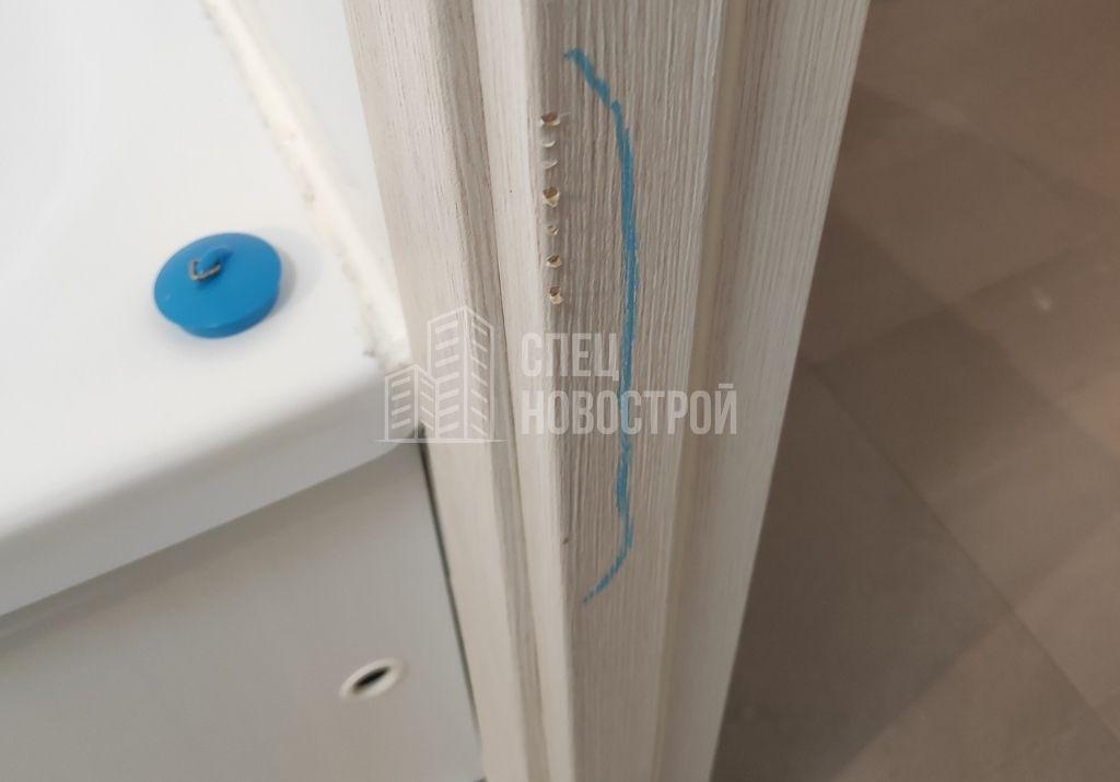 сколы на ламинации дверного короба межкомнатной двери
