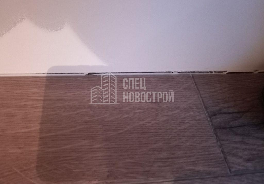 просадка ламината по периметру плинтуса