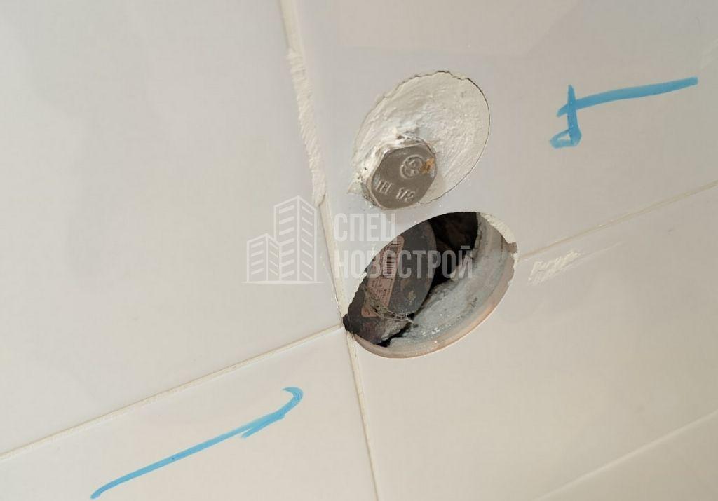 глубоко утоплен вывод канализации для стиральной машины
