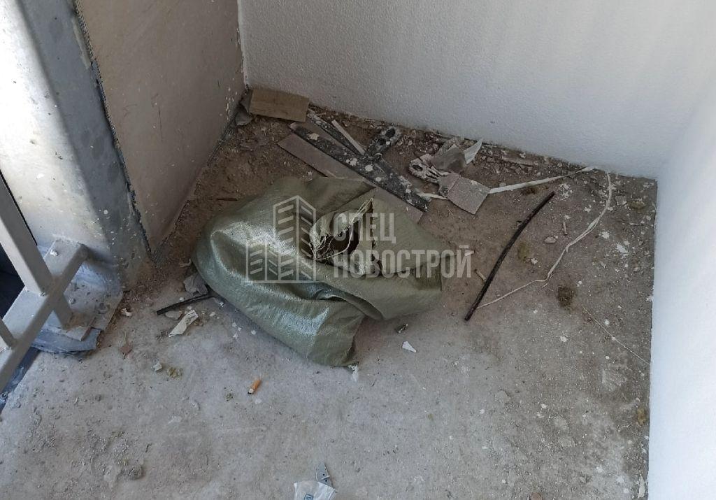 строительный мусор на лоджии