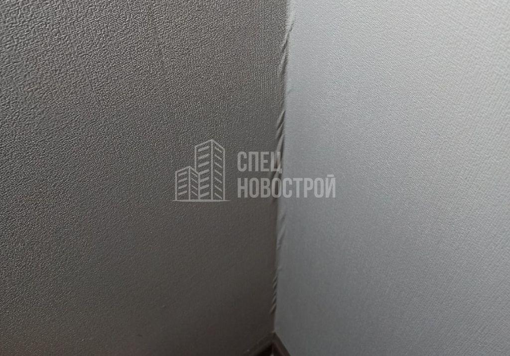 отслоение обойных полотен по углам