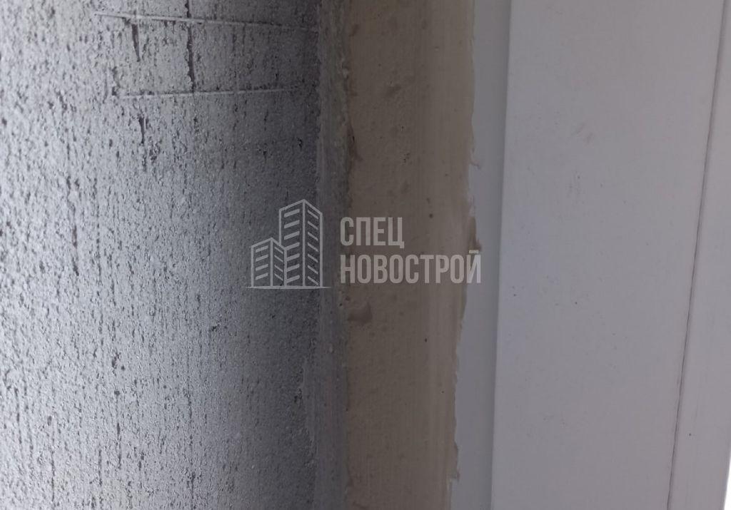 отсутствует пароизоляционная лента по периметру монтажного шва оконного блока
