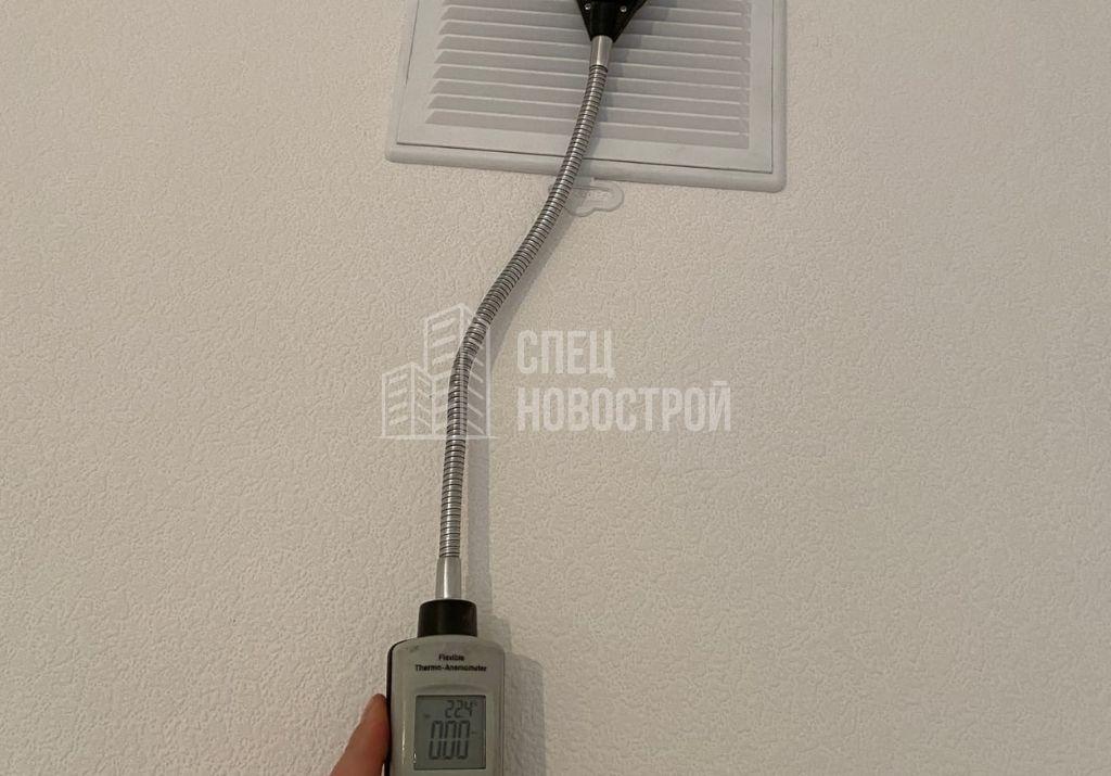 отсутствует тяга в вентиляционным каналах кухни и обоих санузлов