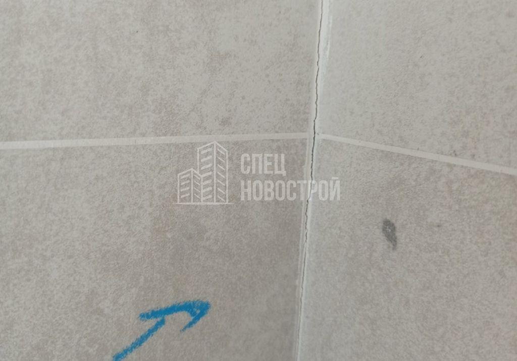 трещины затирки настенной плитки на стыке
