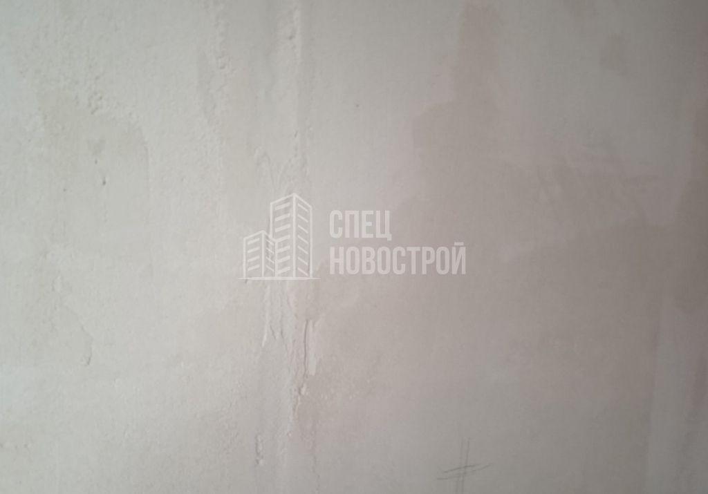 некачественно подготовлено основание стен