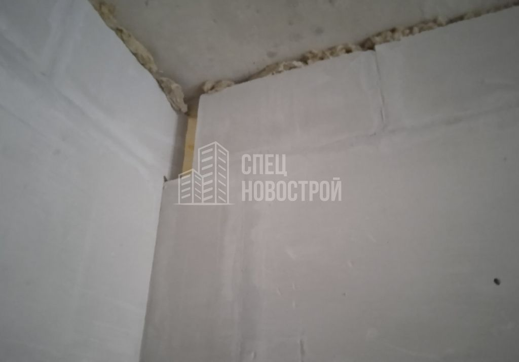 отсутствует плита в кладки из пазогребневых блоков