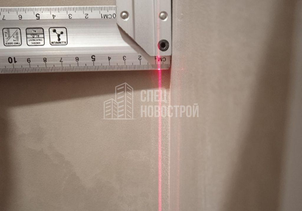 отклонение стены от вертикали на 8 мм