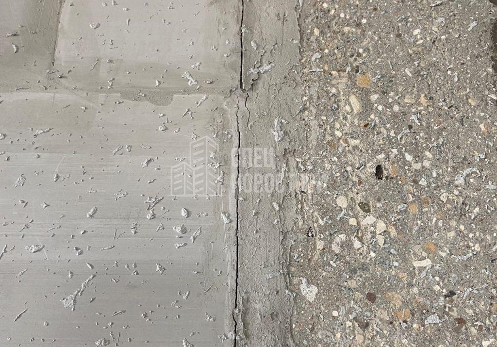 трещины на примыкании кладки из ПГП к монолиту