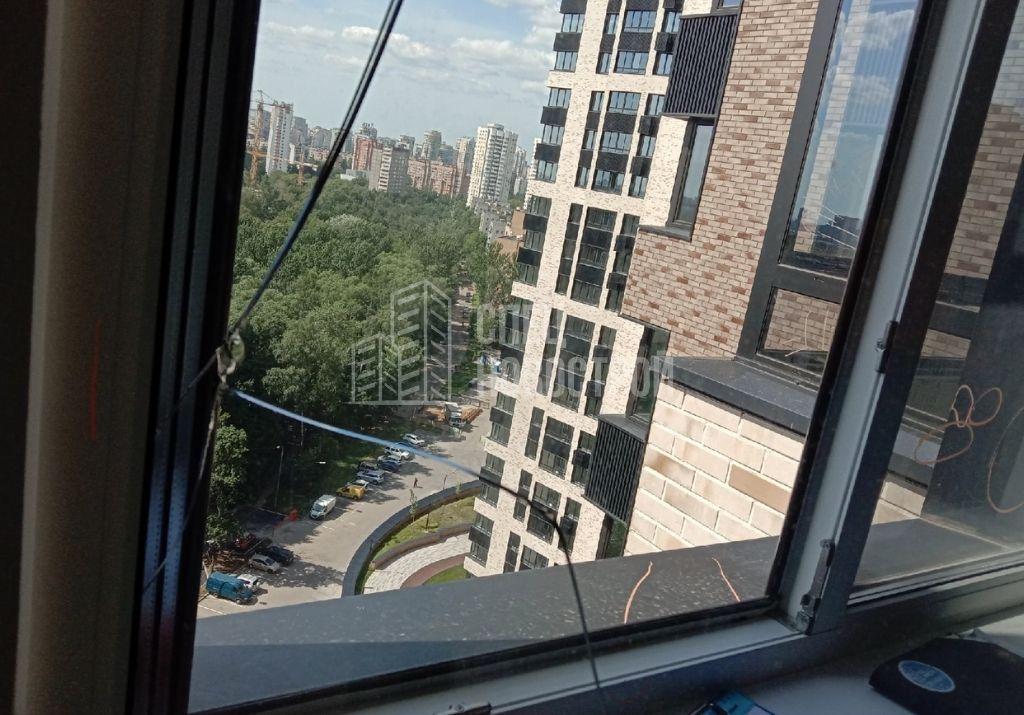 трещины на стеклопакете окна