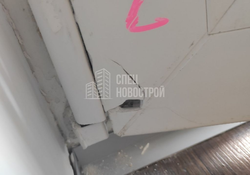 механические повреждения профиля балконной двери