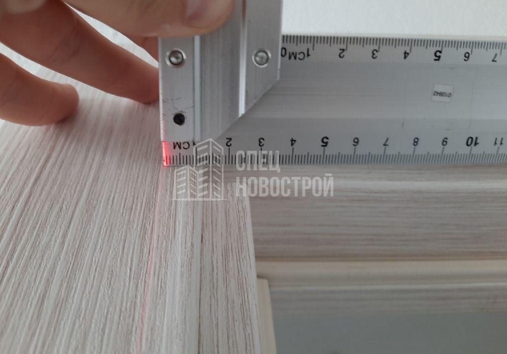 отклонение межкомнатной двери от вертикали на 11 мм