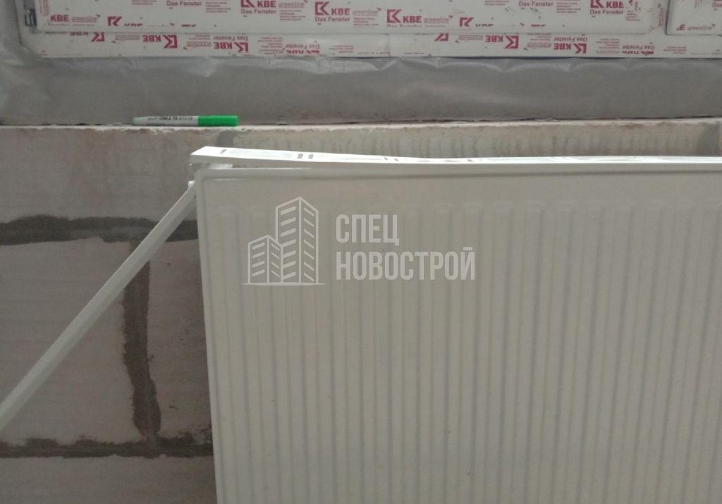 крышки корпуса прибора отопления замяты и не закреплены