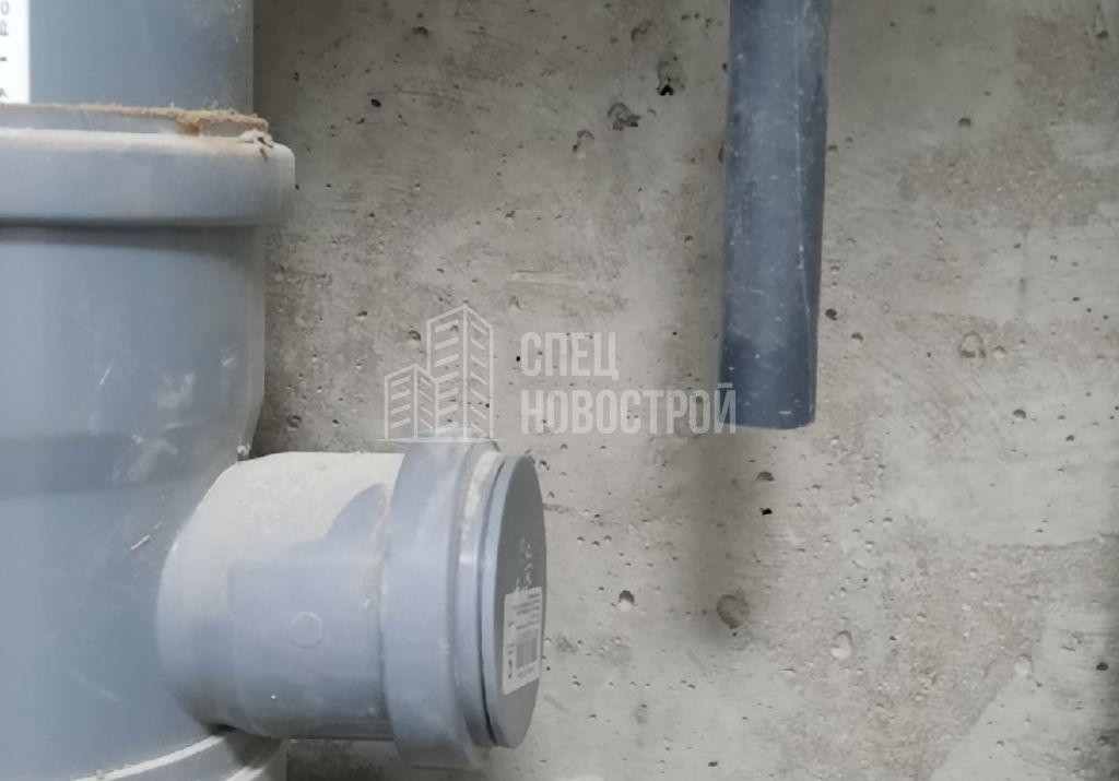 отсутствует капельник для конденсата кондиционера в сантехническом коробе